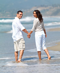 couple-beach-2-sm